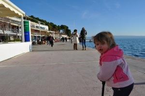 Lily Split Promenade