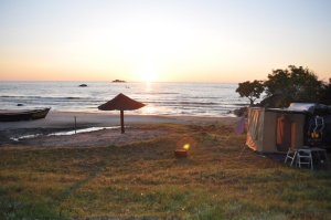 Makuzi Bay, camping on lake Malawi beach