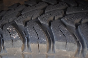 Toyo 255/85R16 MT's tread blocks side view