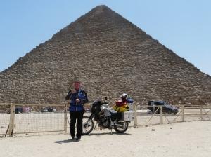 Miss you Lodie, Giza pyramids